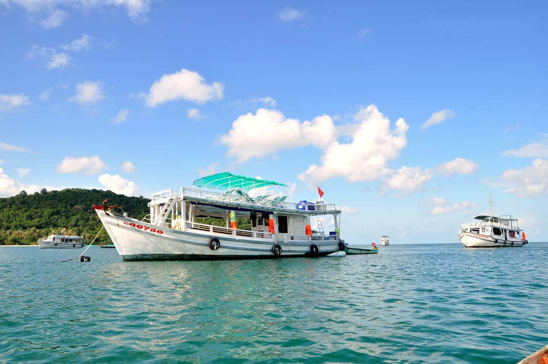 Du lịch Việt vẫn nóng lòng chờ du khách quốc tế.